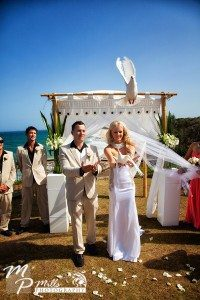 wedding photography dove release